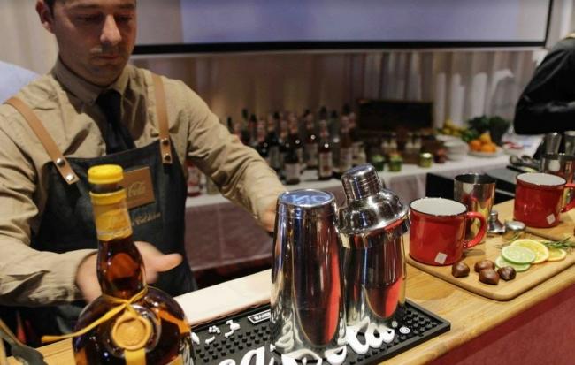 El mallorquín Fernando Calderón ganador del 1er. Concurso de Coctelería de Coca-Cola Signature Mixers