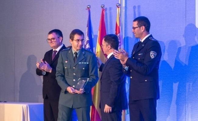 La Guardia Civil es galardonada en la isla de Ibiza en la XIIIª Diada de la Policía Local