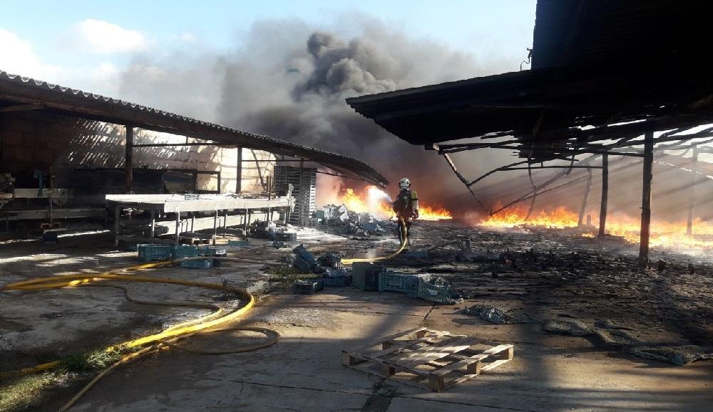 Incendio en una nave agrícola en Santa Margalida