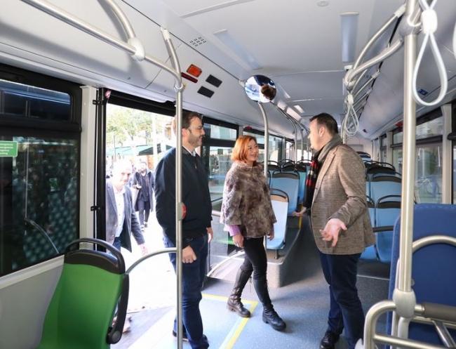 La presidenta del Govern y el alcalde de Palma presentan a la ciudadanía la nueva flota de buses de la EMT