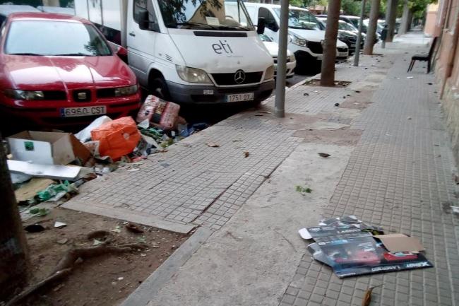 Vecinos de Camp Redó se quejan de la dejadez del ayuntamiento en la limpieza de sus calles