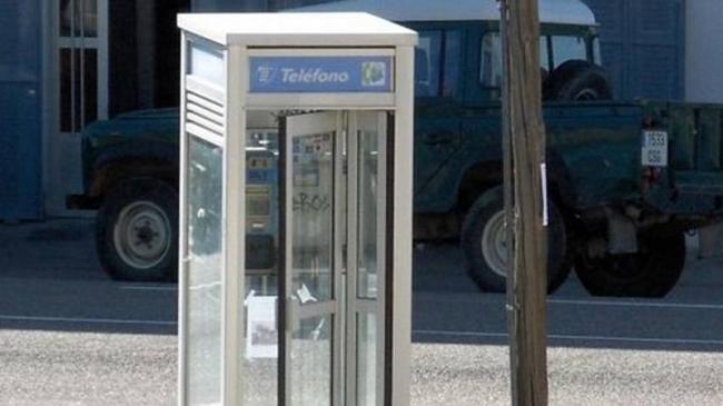 Las cabinas telefónicas se mantendrán en toda España dos años más
