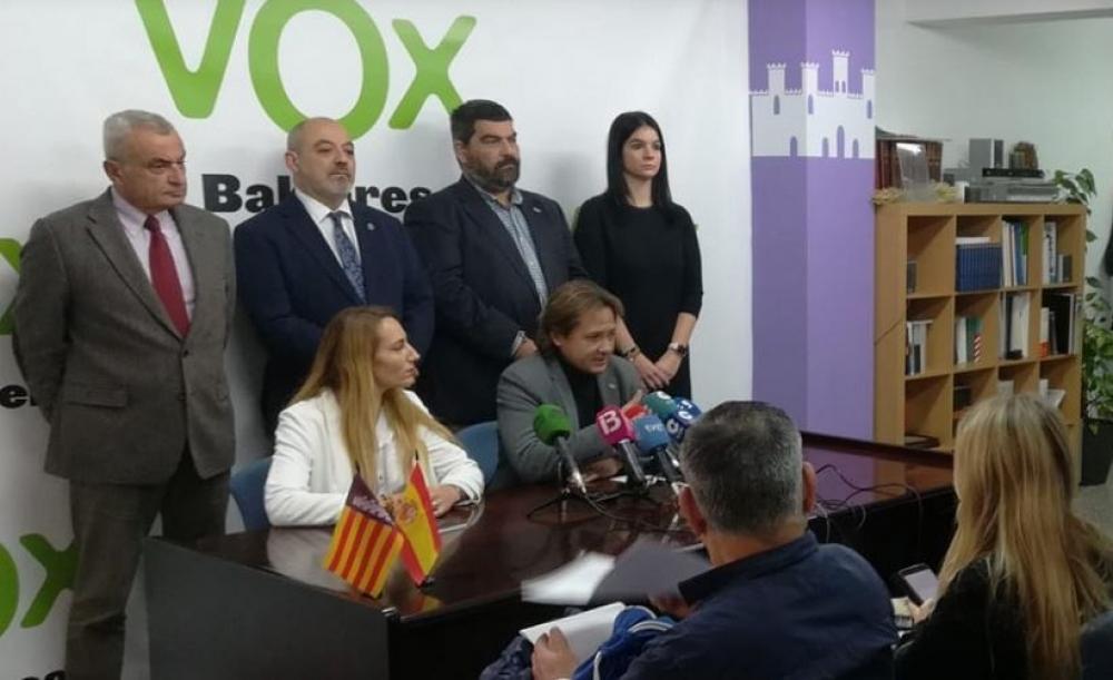 """Jorge Campos: """"Sánchez y sus socios independentistas y etarras no podrán con Baleares y España"""""""