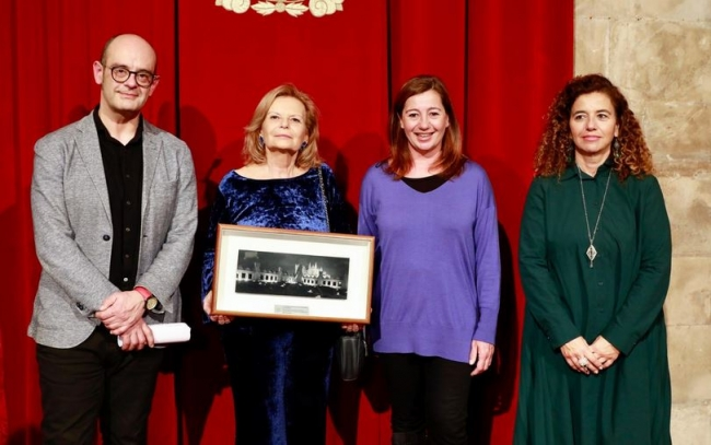 El Govern rinde homenaje a Carmen Riera por el 25º aniversario de la publicación de En el último azul