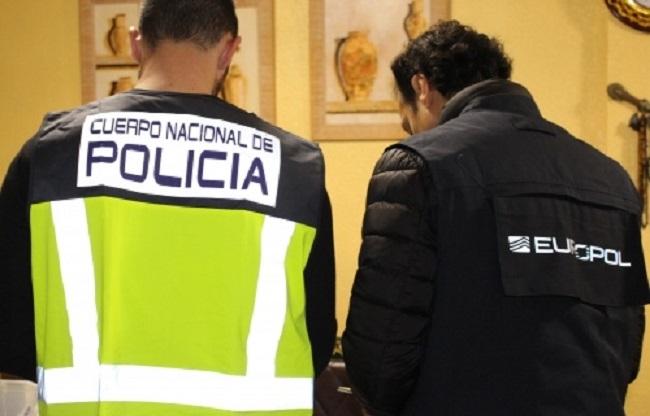 La Policía Nacional detiene a 30 personas en una operación contra el amaño de parejas de hecho