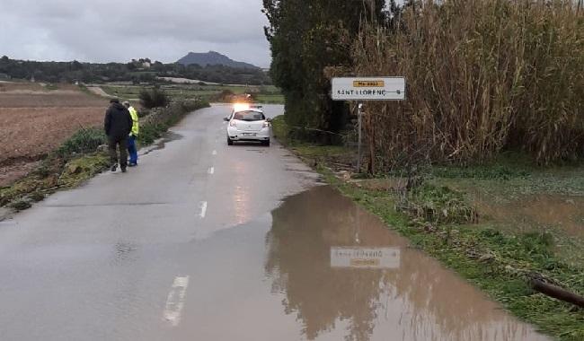 Torrentes desbordados y carreteras cortadas en Mallorca