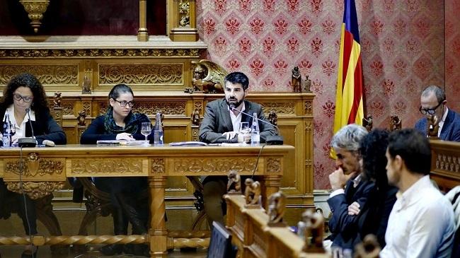 Javier de Juan comparece en el Pleno del Consell para explicar la política del IMAS en materia de menores tutelados