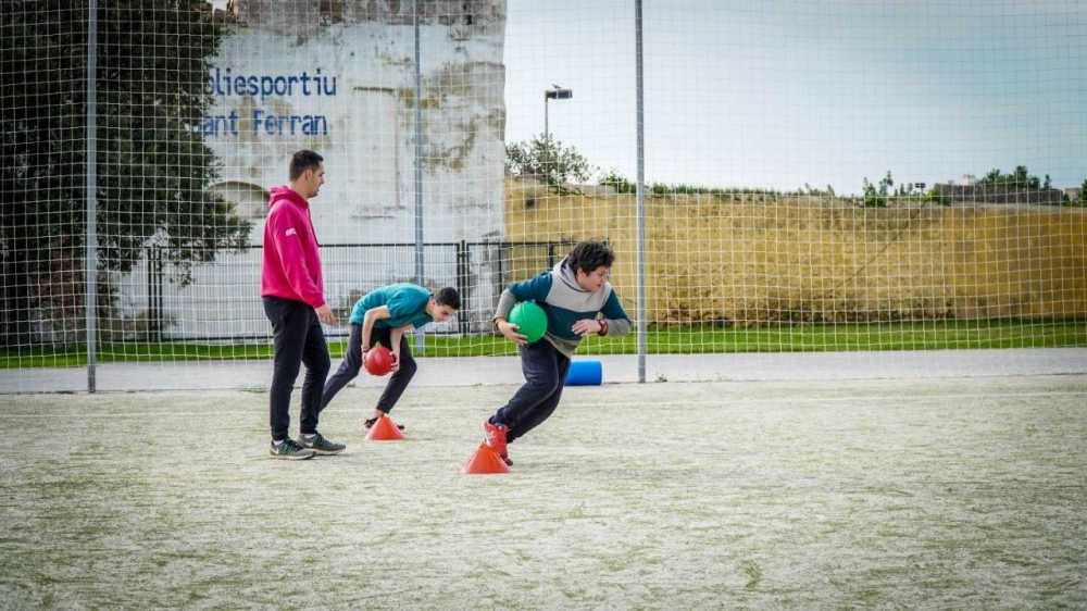 Deportes de equipo y de contacto de entre 6 y 11 años podrán volver a partir de sábado 24 de abril
