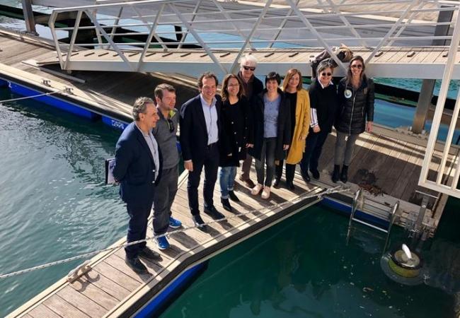 Govern y Consell de Menorca instalan papeleras marinas en Ciutadella