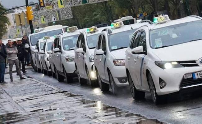 La Audiencia Nacional da la razón al taxi y Uber y Cabify no podrán circular, ni estacionar sin un servicio previo contratado