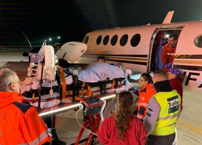 El SAMU 061 coordina el traslado en avión ambulancia de un paciente con oxigenación extracorpórea