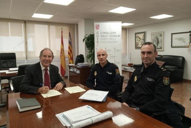 Salud y la Policía Nacional colaborarán en casos de riesgo del personal sanitario