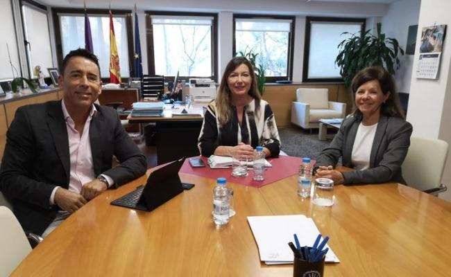La consellera de Salud recibe en audiencia a la presidenta de la Sociedad Española de Farmacia Hospitalaria