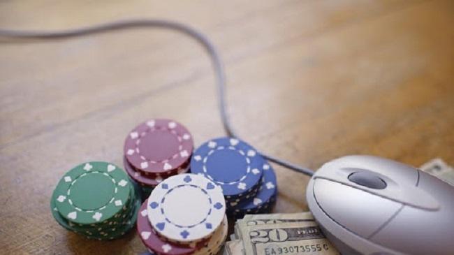 Aprueban una iniciativa para prevenir la adicción al juego online entre los menores de edad