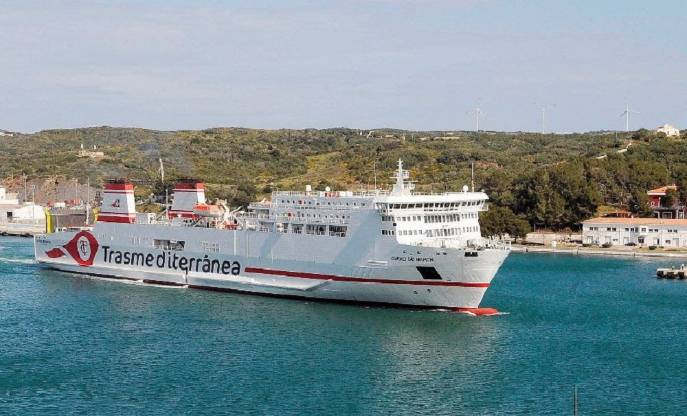 Naviera Armas Trasmediterránea garantiza el transporte de mercancías con cinco conexiones semanales