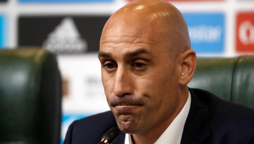 La Liga y la RFEF acuerdan la suspensión del fútbol profesional indefinidamente