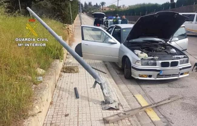 Un detenido por huir de la Guardia Civil y saltarse el estado de alarma en Alcúdia