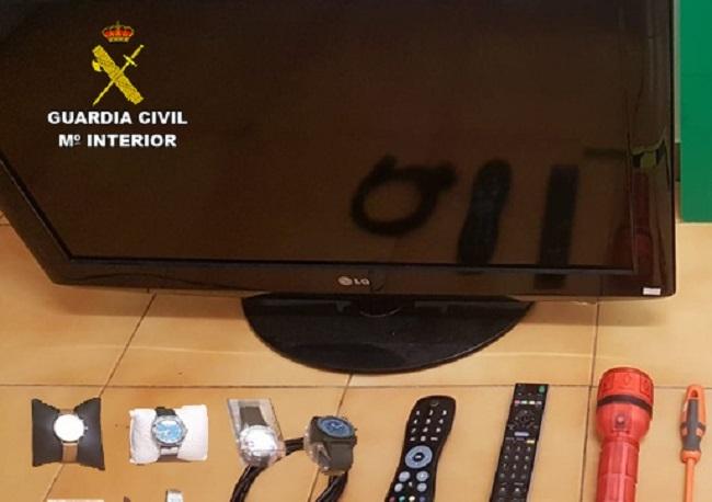 La Guardia Civil sorprendió 'in fraganti' a dos hombres robando en un garaje de Campos