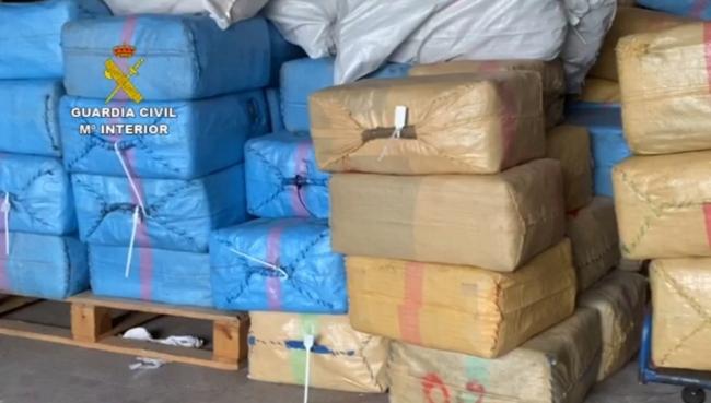 La Guardia Civil interviene más de dos toneladas y media de hachís