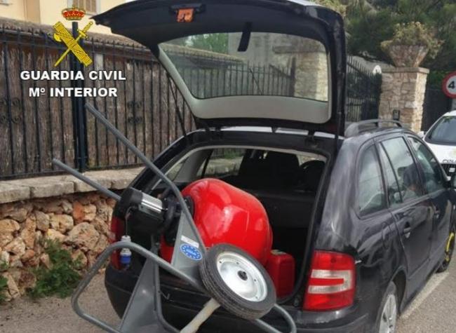 Roban una furgoneta en Santa Maria del Camí y vuelven días después a sustraer material de obra