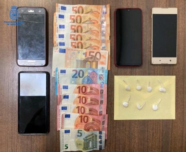 Dos detenidas con siete papelinas en un control policial
