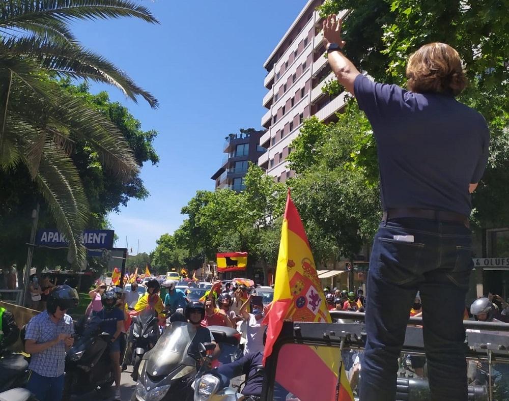 VOX colapsa palma en la caravana por España