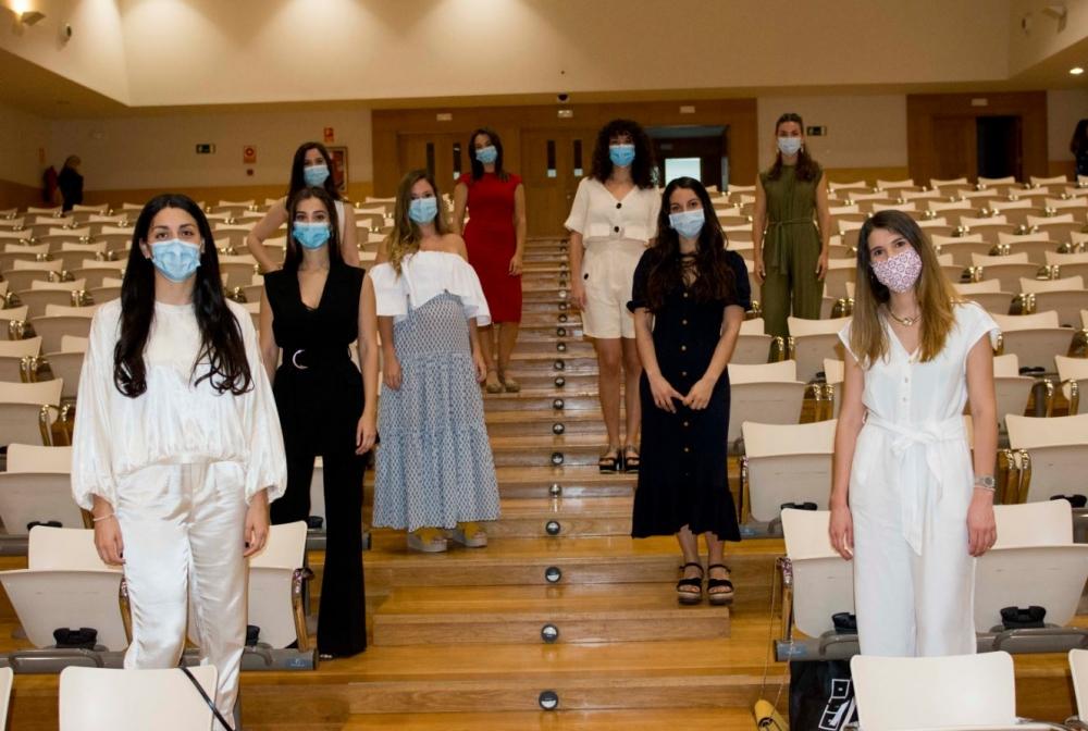 La consellera de Salud agradece la implicación de las 14 matronas residentes que hoy acaban su formación