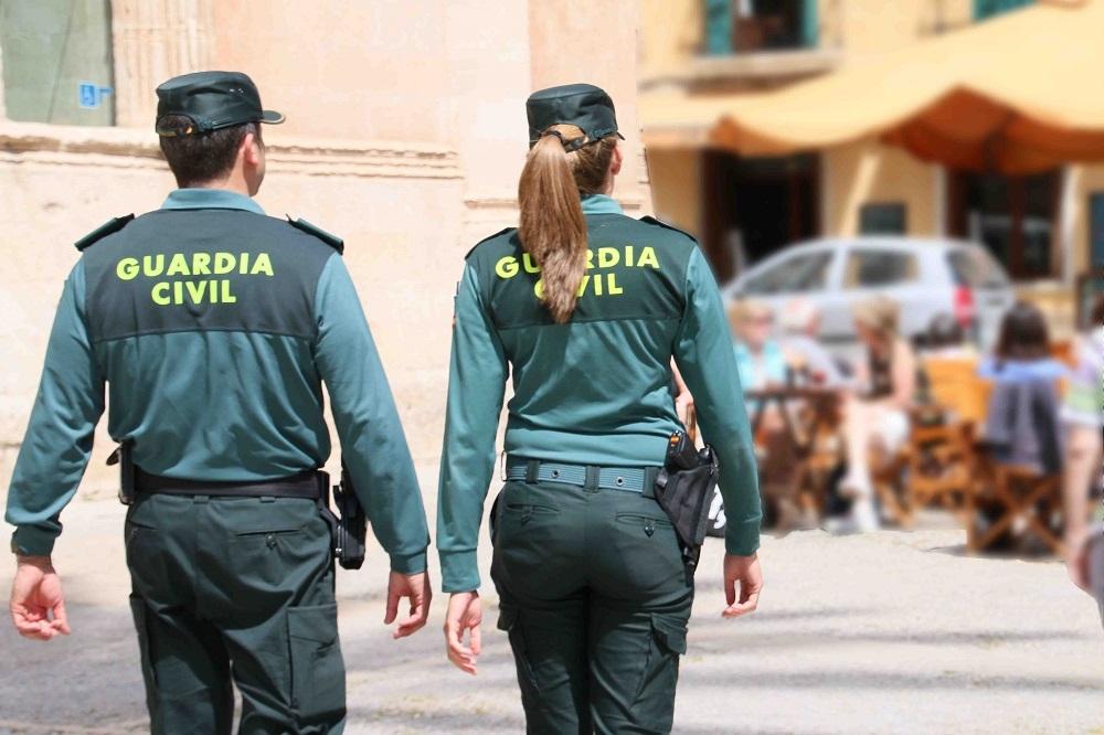 La Guardia Civil detiene a un hombre por seis robos con fuerza en viviendas y comercios de Marratxí