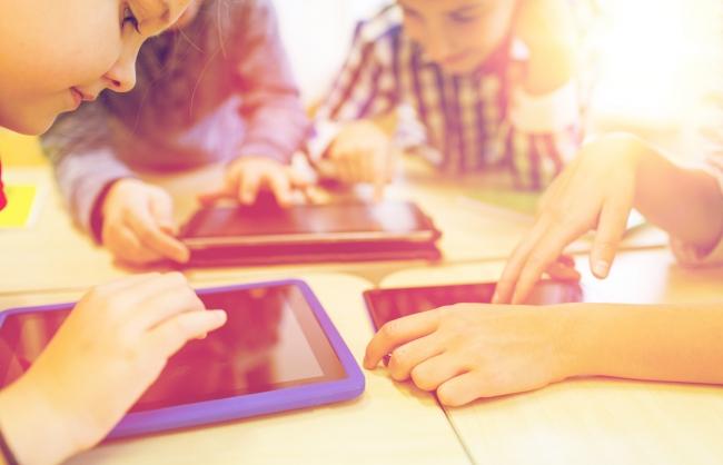 Educación informa sobre las contrataciones de emergencia para aquirir dispositivos chromebook