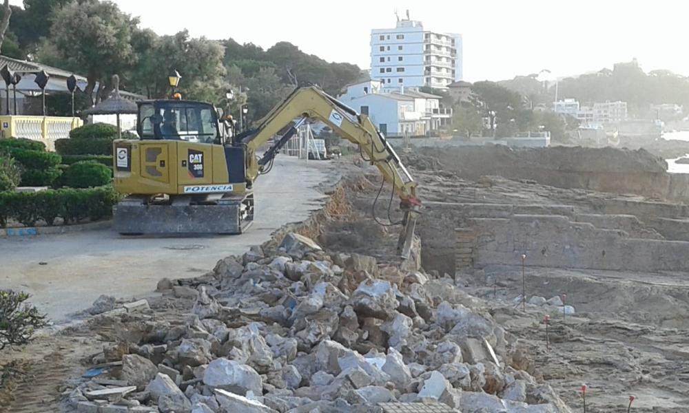 El GOB denuncia al Ayuntamiento de Capdepera por hacer pasar la construcción del paseo de Cala Rajada como unas supuestas obras de emergencia