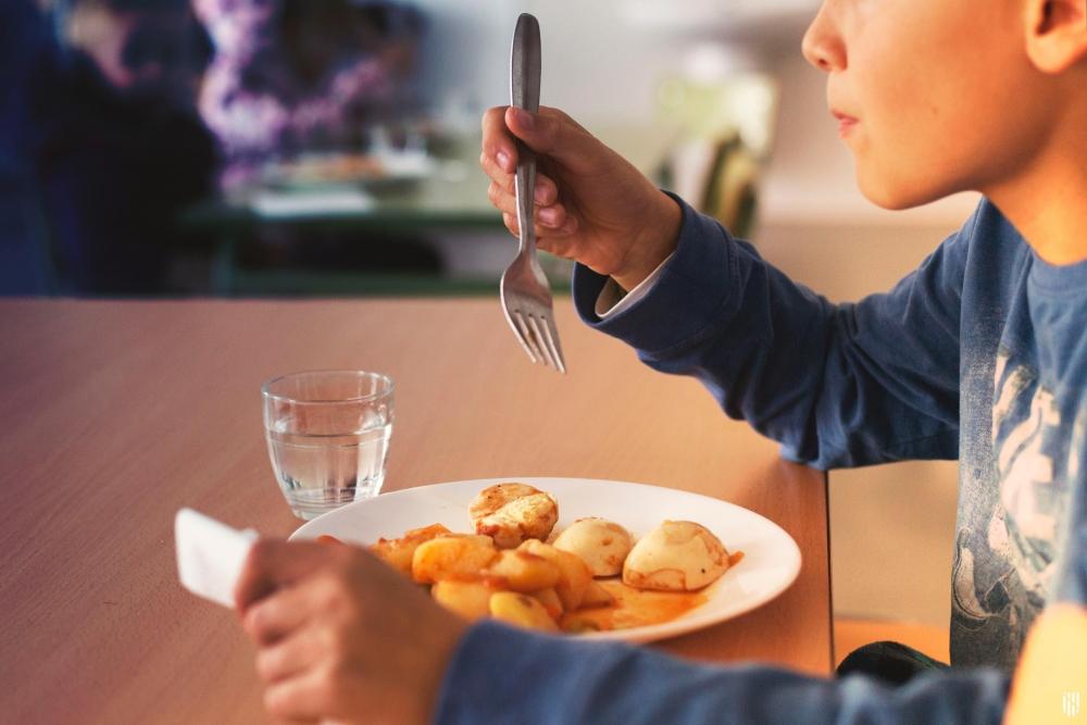 El número de beneficiarios de las ayudas de comedor en Baleares se ha multiplicado por 7 desde el 2015