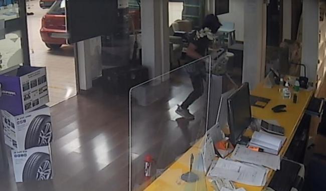 La Policía Nacional detiene a un hombre por tres robos en locales de un Polígono Industrial