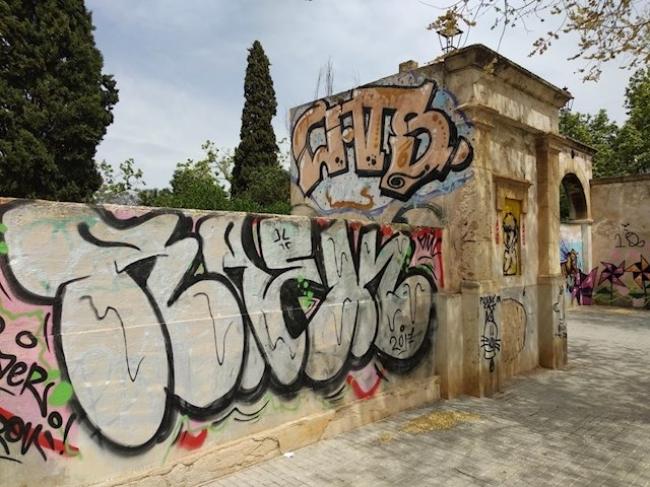 Cs Palma acusa al Ayuntamiento de hacer pagar a los afectados el coste de la limpieza de los grafitis