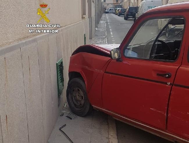 Roban y golpean al propietario de una casa de Campo en Llucmajor