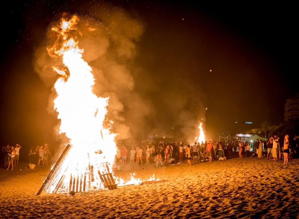 Recomiendan celebrar la noche de San Juan en grupos reducidos y respetando la distancia de seguridad