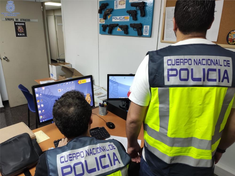 La Policía Nacional detiene al presunto autor de seis robos con violencia y dos de lesiones