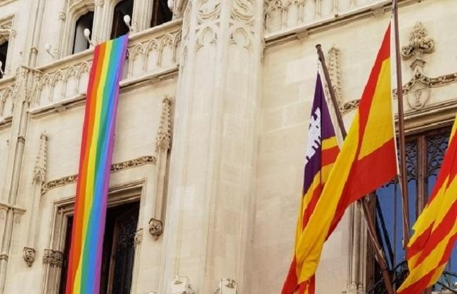 El Consell de Mallorca se suma #Orgullosament a las reivindicaciones del día del Orgullo LGTBI