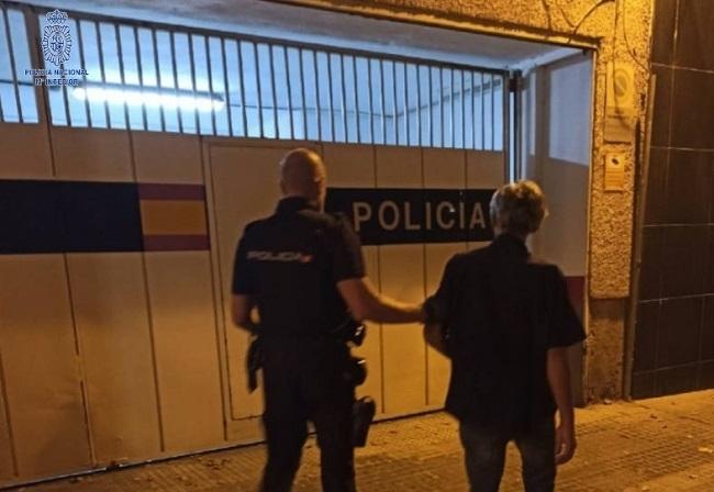 La Policía Nacional detiene a dos hombres por diferentes robos con fuerza