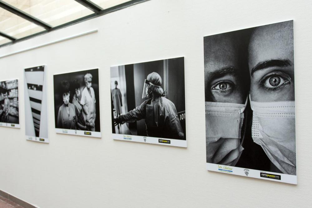 Son Llàtzer rinde homenaje con una exposición fotográfica sobre la COVID-19
