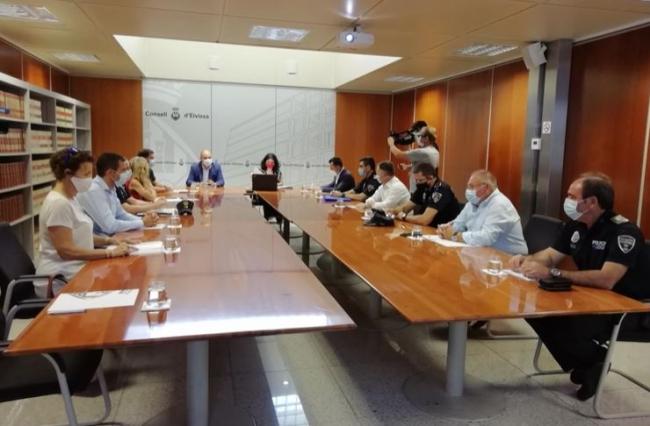 Presentan las medidas para detener las infracciones de la normativa COVID-19 en Eivissa y Formentera