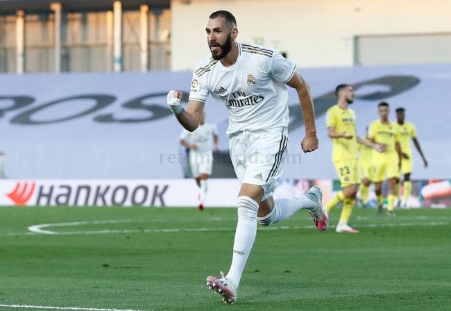 El Real Madrid vence al Villarreal con un doblete de Benzema y logra su 34º campeonato