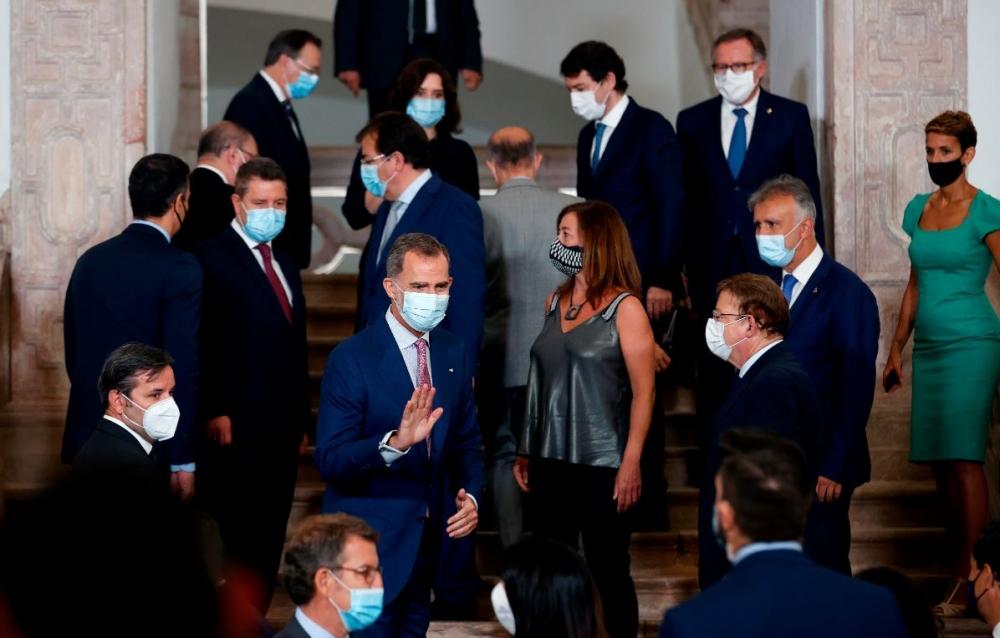 Armengol reclama a Sánchez controles sanitarios en los aeropuertos de Baleares para los turistas nacionales