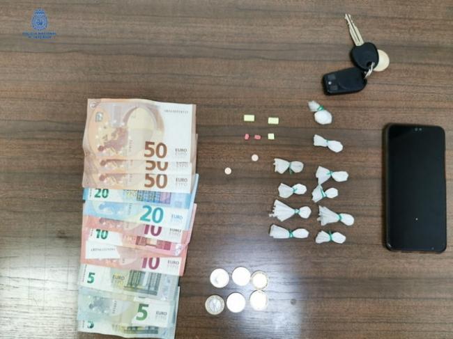 Detenido in fraganti realizando una transacción de droga