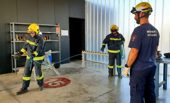Empiezan las obras para aplicar el protocolo de descontaminación en el parque central de los Bomberos de Palma