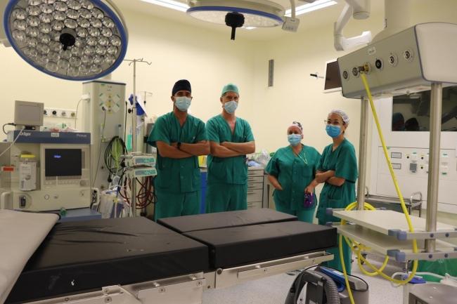 El servicio de otorrinolaringología de Can Misses realiza una compleja operación en la base del cráneo con neuronavegador