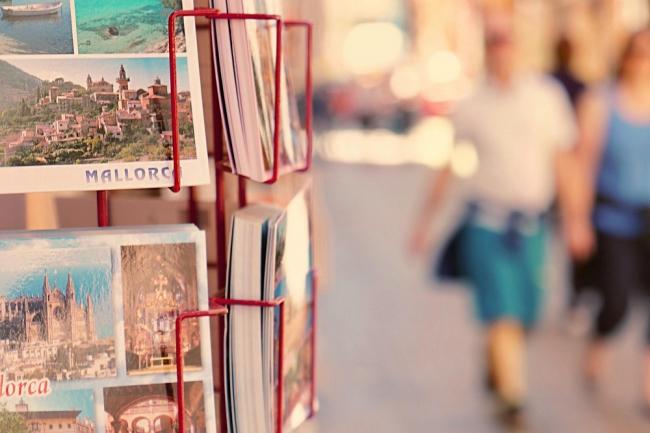 Unidas Podemos propone una formación reglada para guías turísticos