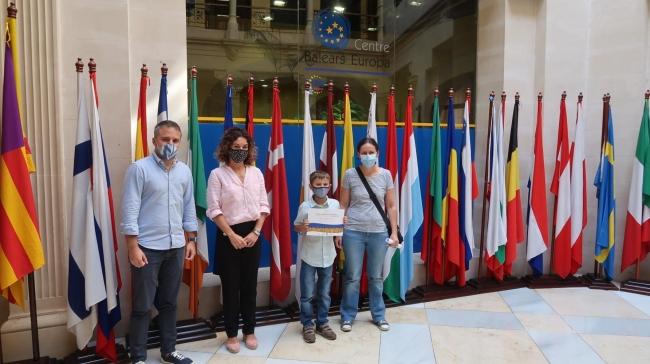 """Entregan los premios del concurso musical """"Elige tu mejor versión"""", celebrado con motivo del Día de Europa"""