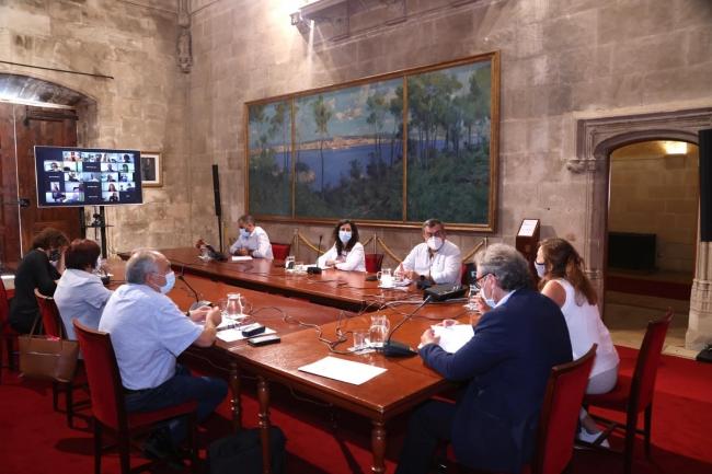 Armengol y March abordan el inicio del curso escolar con los directores de los centros públicos y concertados de las Balears