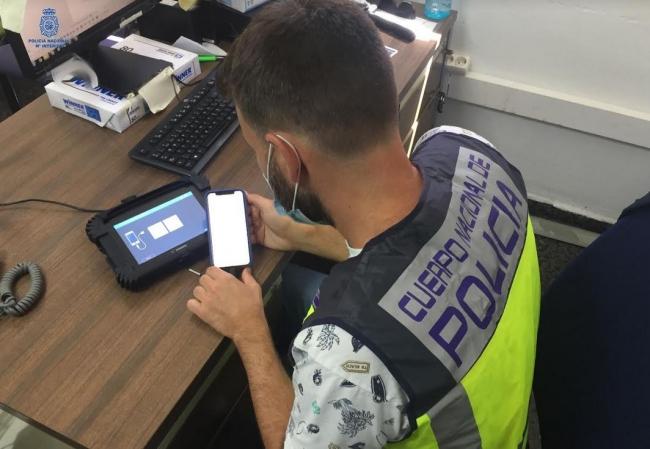 La Policía Nacional advierte sobre una estafa en relación a una aplicación de internet