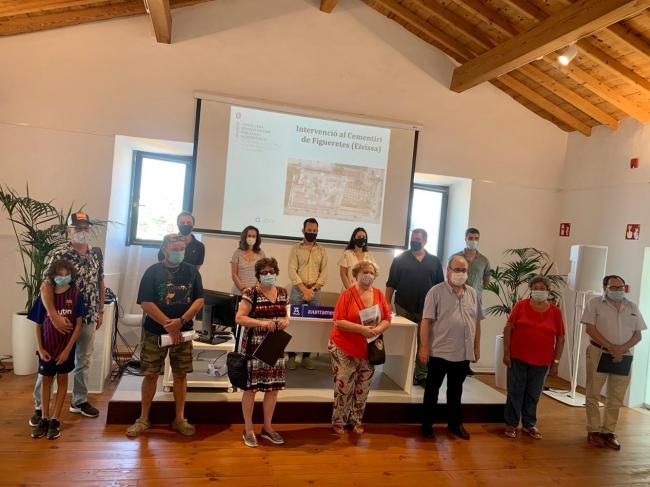 El Govern inicia las tareas de exhumación de la fosa del cementerio viejo de Eivissa